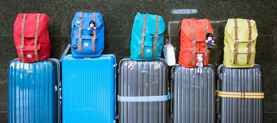 luggage-pixabay-900x400